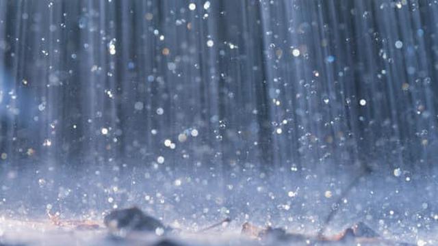 ilustrasi percikan hujan.