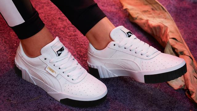 Makin Kece di Musim Dingin dengan Sneakers Warna Terbaru