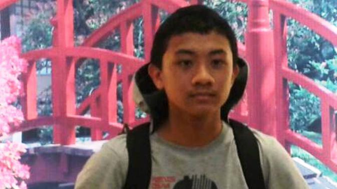 Mahasiswa Universitas Indonesia, Akseyna Ahad Dori, yang ditemukan tewas mengambang di Danau Kenanga UI. (Facebook Akseyna Ahad Dori)