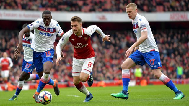 FOTO: Aubameyang dan Lacazette Cetak Gol, Arsenal Bungkam Stoke