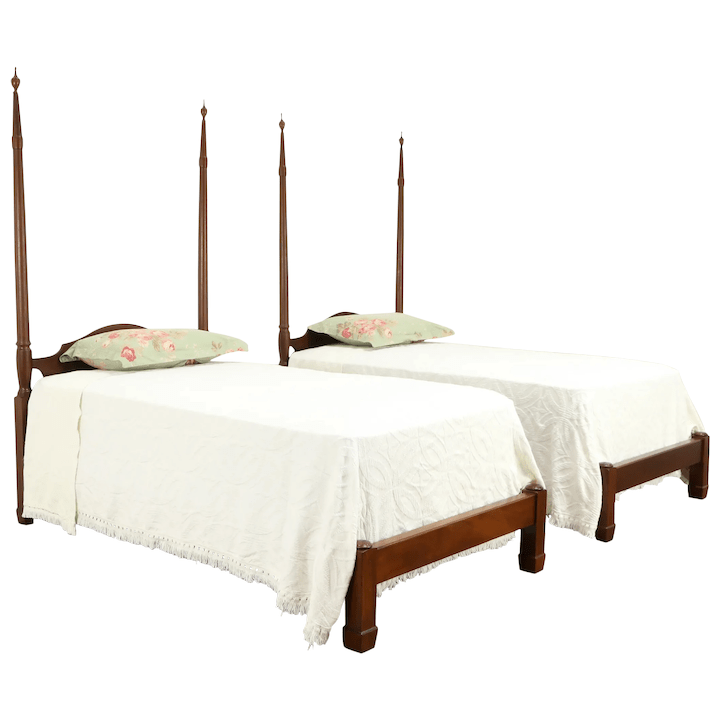 pair of mahogany vintage twin or single poster beds kittinger of ny 31880