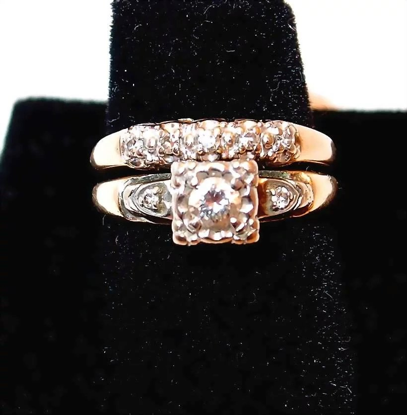 1940s Yellow Gold Wedding Ring Set With Diamonds