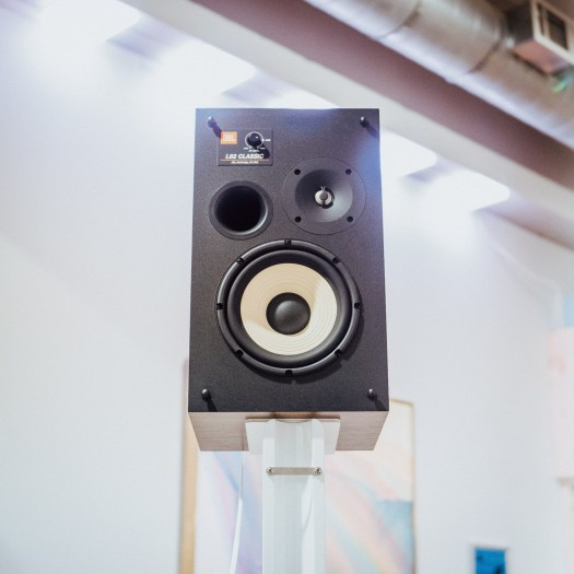 These retro speakers offer modern acoustics 17