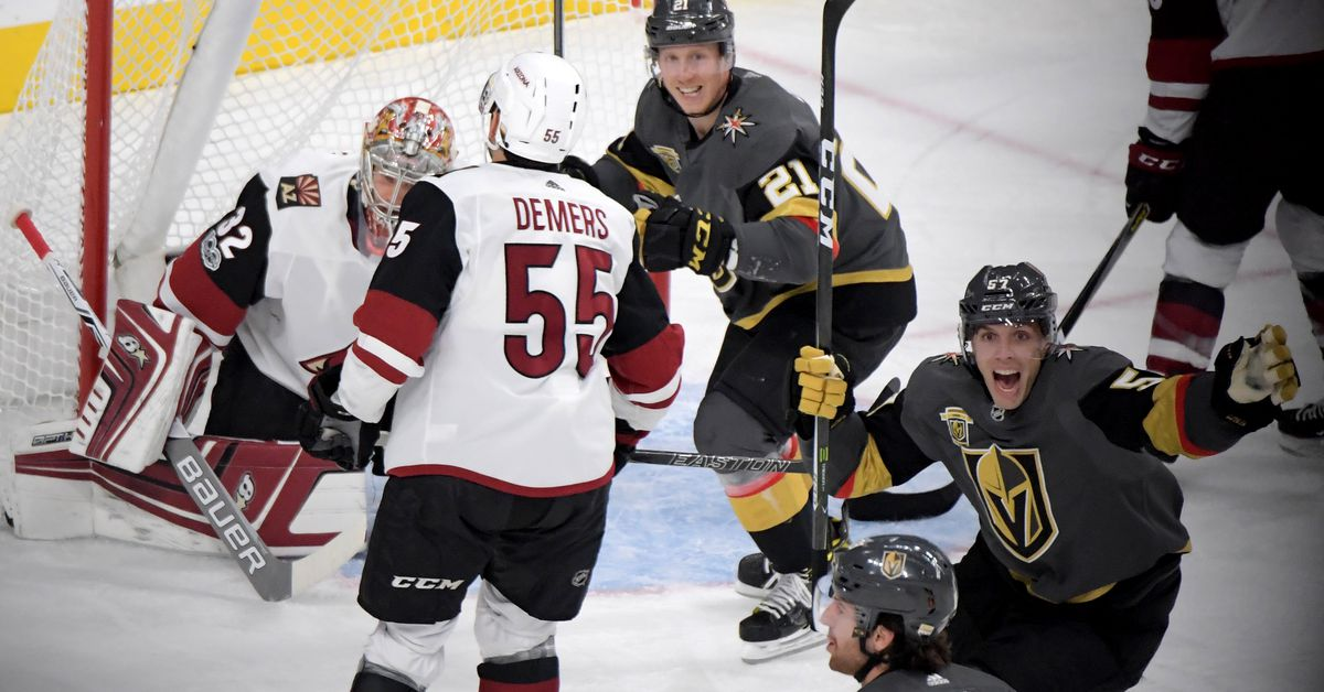 Coyotes Roll Snake Eyes In Vegas Lose 5 2 Five For Howling