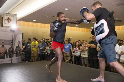 UFC on FOX 17 Open Workouts