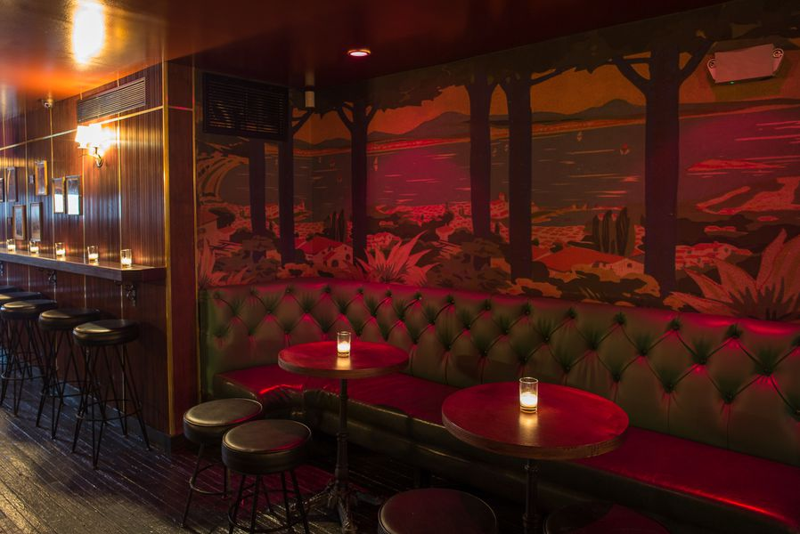 Take A Look Around Holiday Cocktail Lounge The Classic