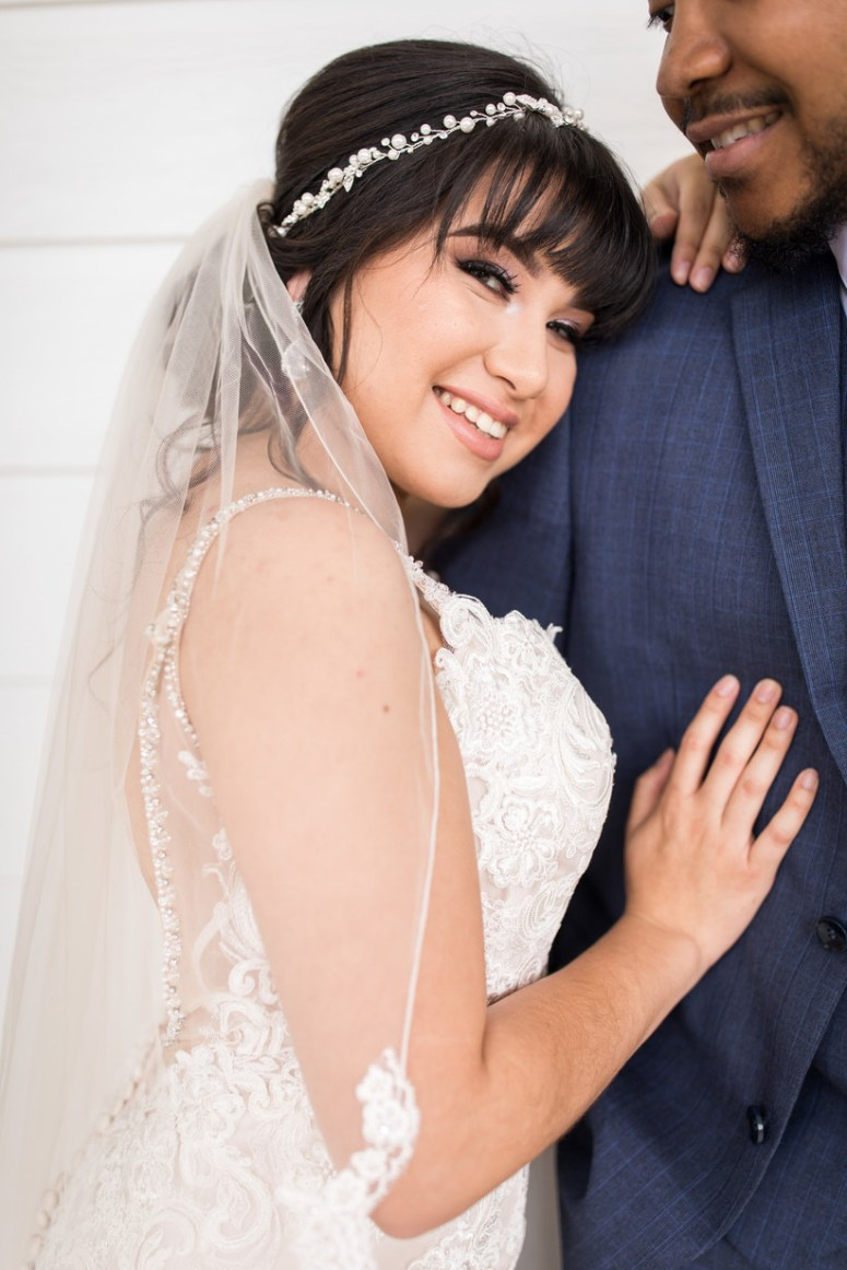 20 Ways To Wear A Veil With Your Wedding Hairstyle Allegro Entertainment