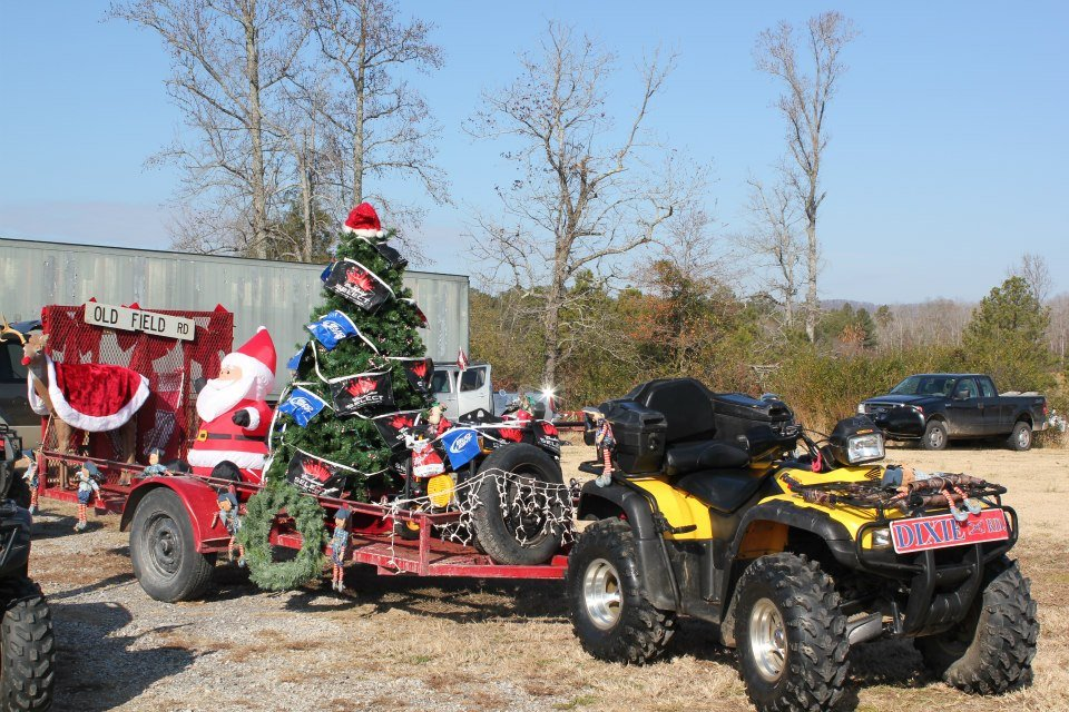 10 Funny Redneck Christmas Decorations