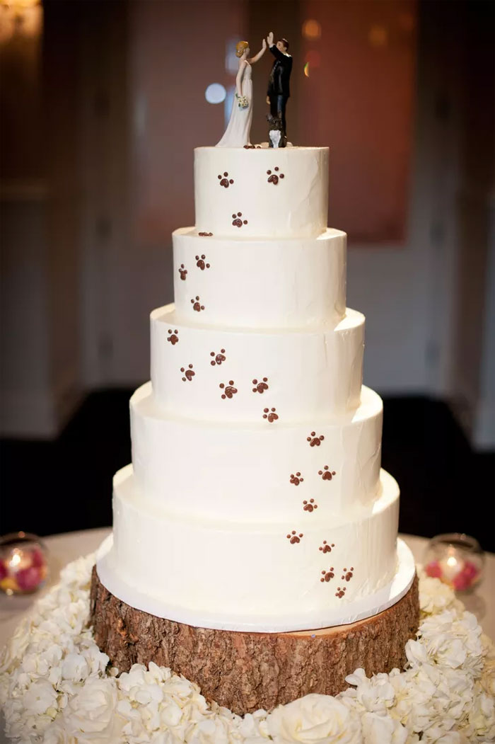 12 Dog Wedding Cake Toppers Since the Pup Is Part of the Family dog wedding cake