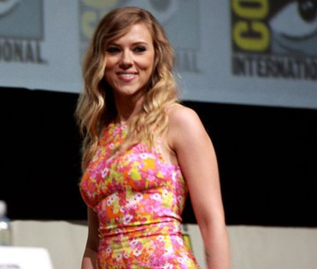 Avengers Infinity War Puts Out A Booty Call For Butt Doubles Roughly Measuring Up To Scarlett Johansson Worldnews