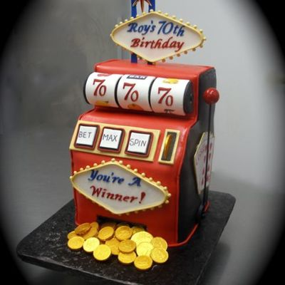 Slot Machine Cake Decorating Photos