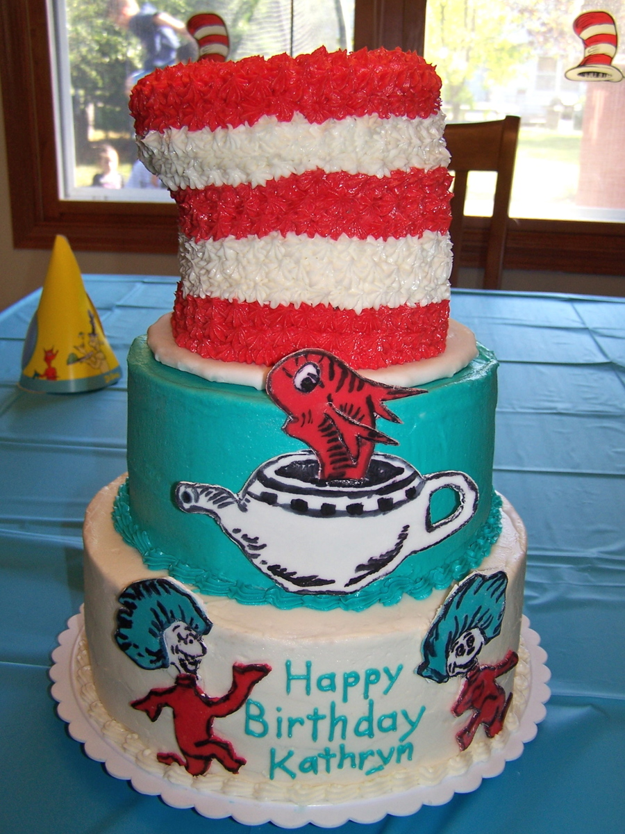 Cat In The Hat Birthday Cake Cakecentral Com