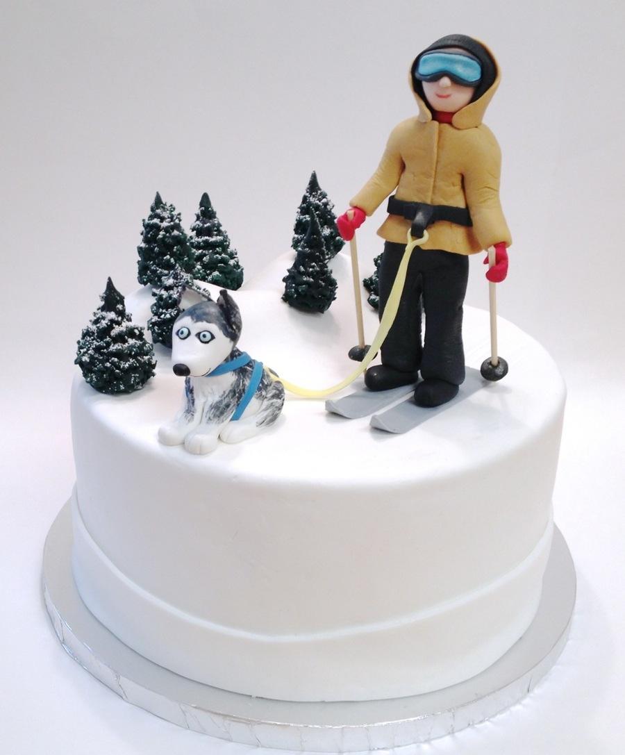 Husky Dog Skiing Cake