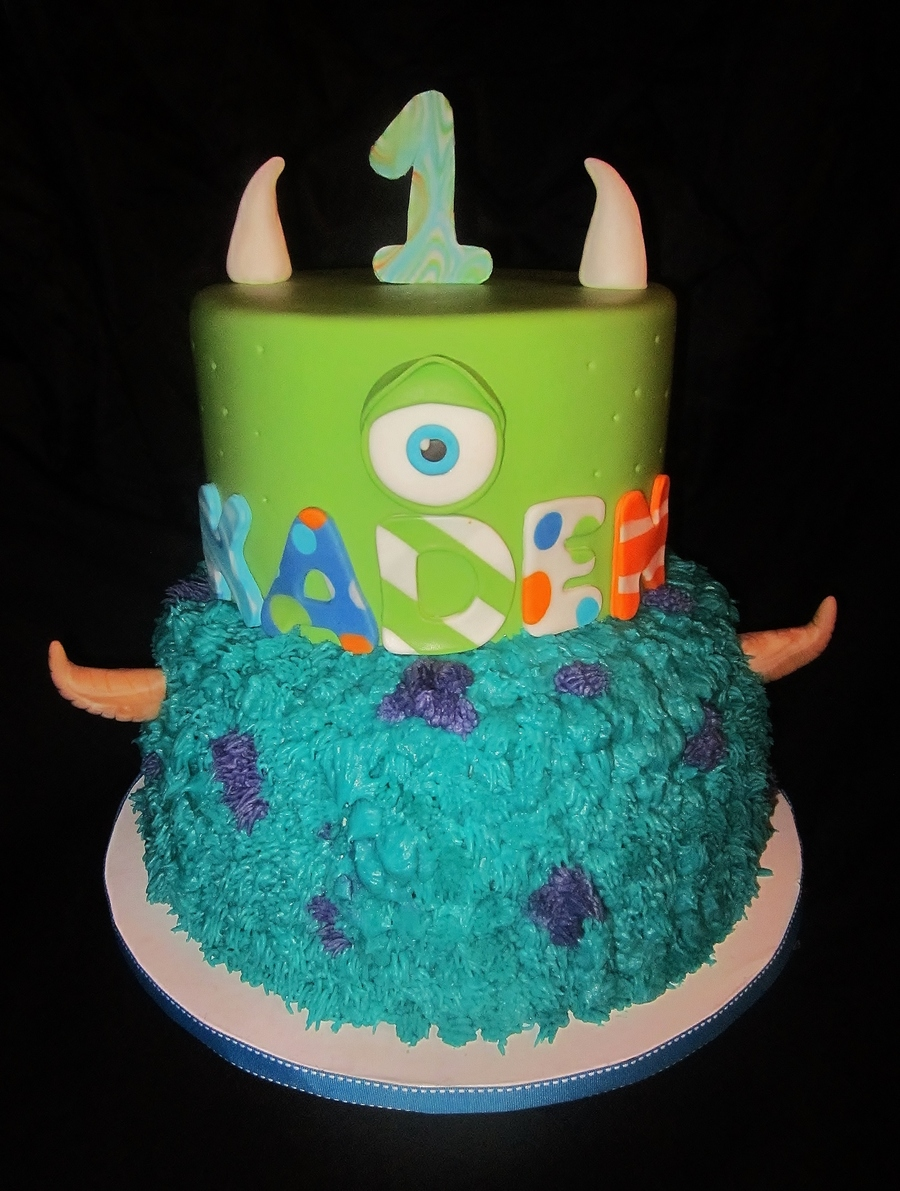 Monsters Inc 1st Birthday Cake 9in Round Cake On The Bottom I Used A Grass Tip To Make The Fur Top Tier Is 7in Covered In Fondant The L Cakecentral Com