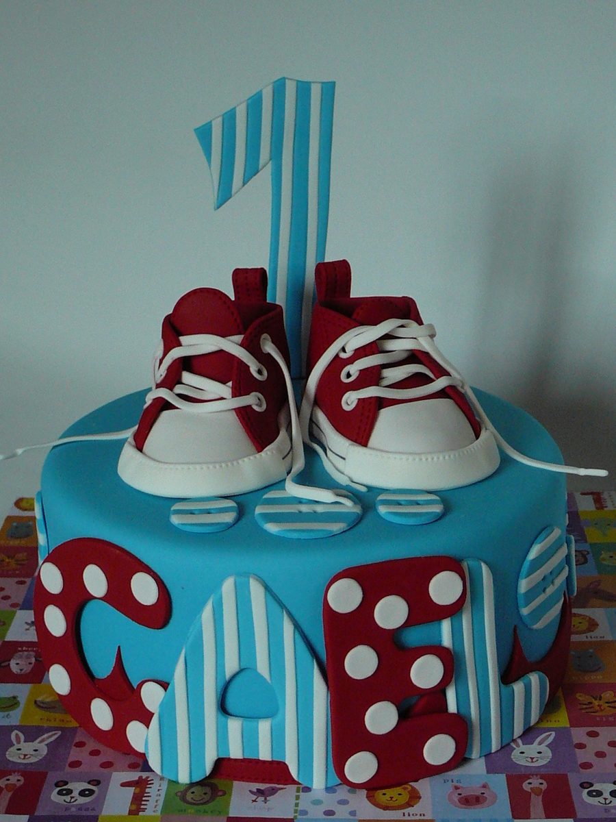 Red Converse Baby Shoes Cakecentral Com