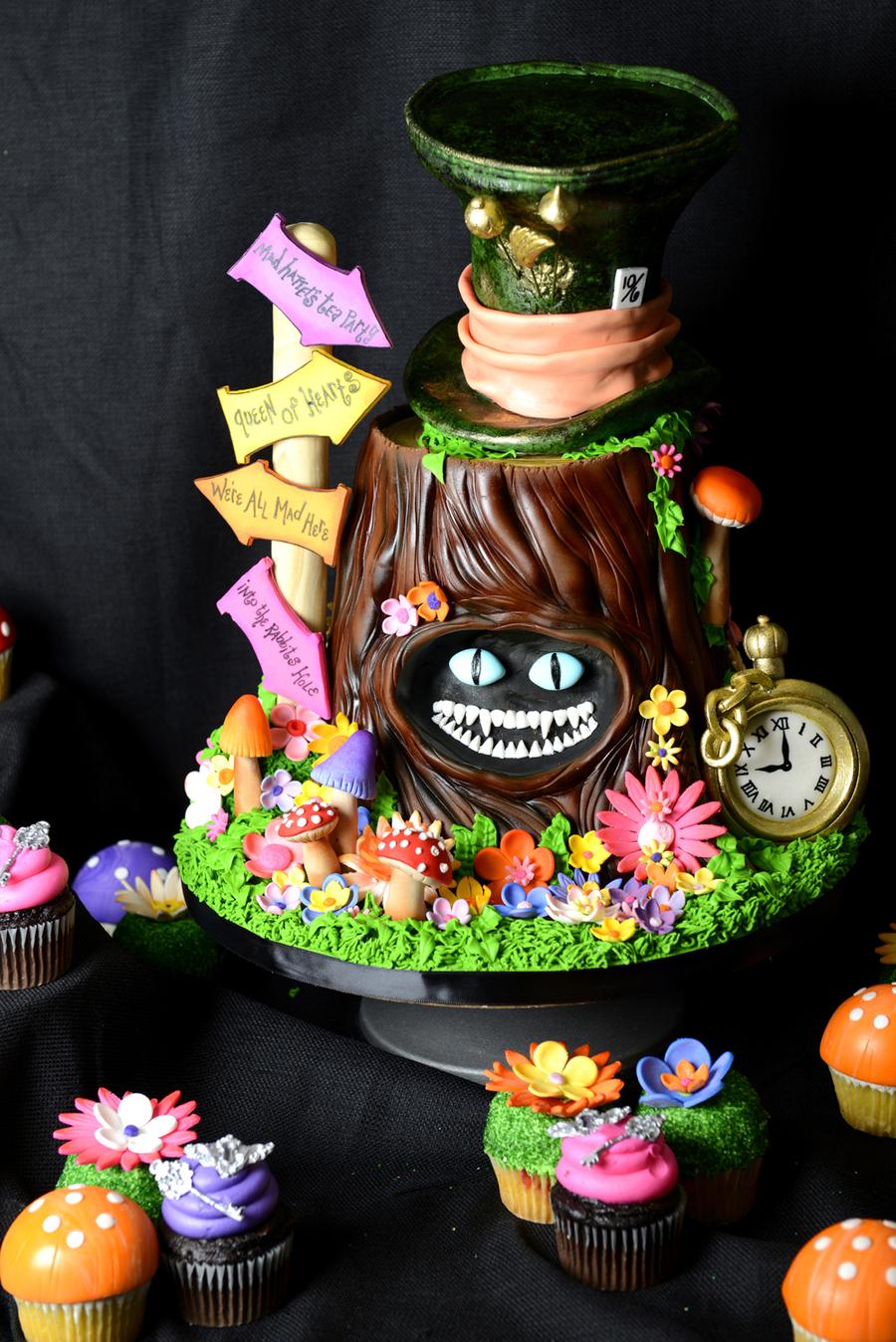 Tim Burtons Alice In Wonderland Sweet 16 Cake
