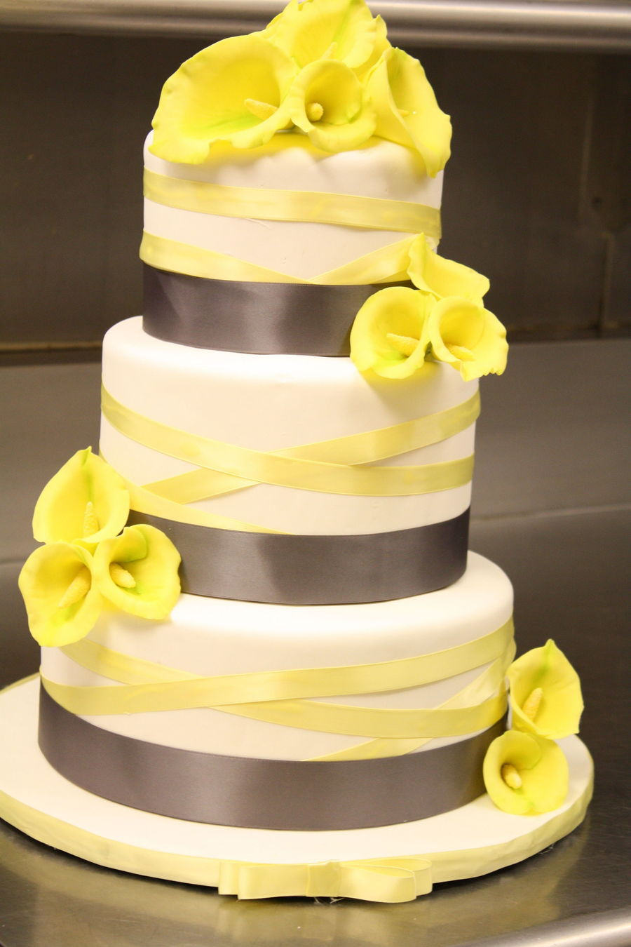 Calla Lily Wedding Cake In Grey And Yellow