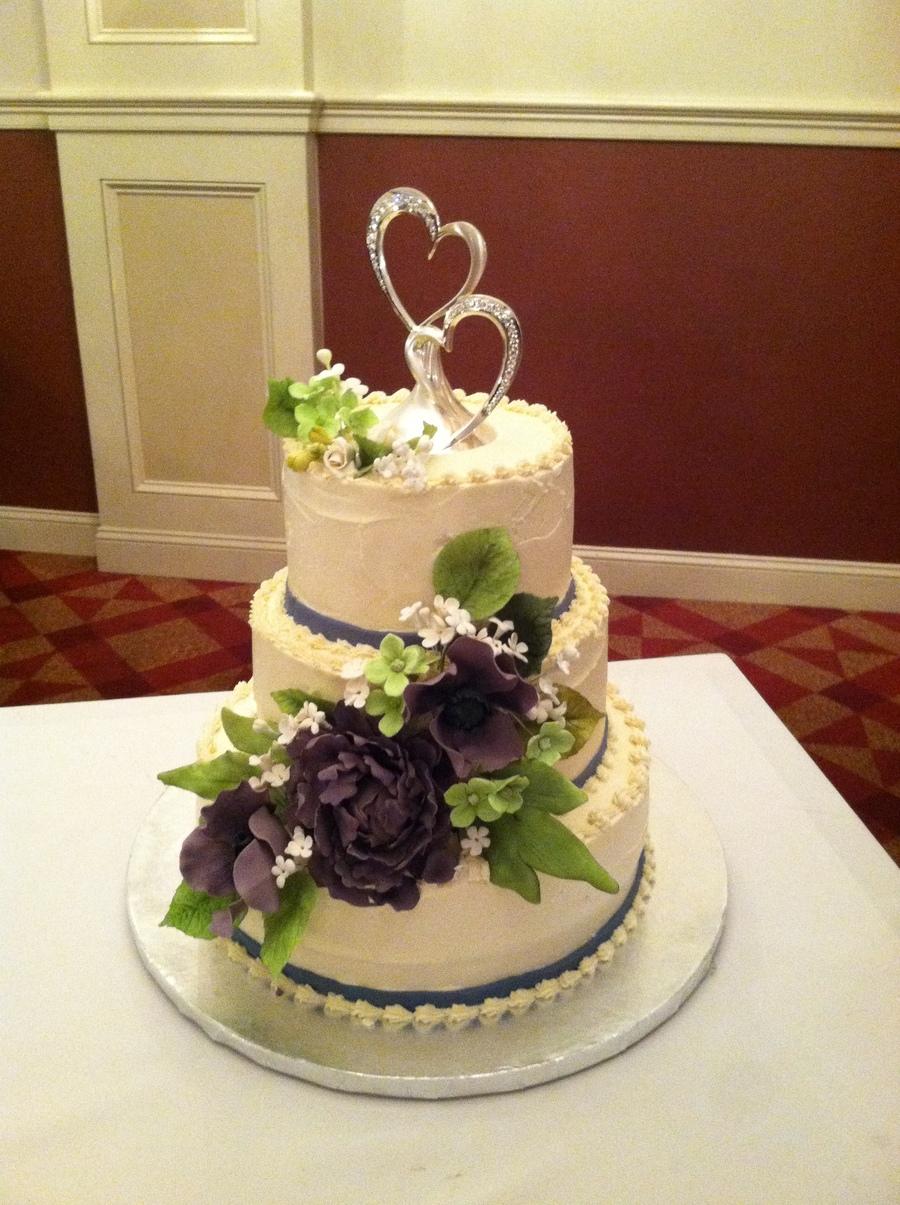 Peopny Wedding Cake Colors Were Eggplant And Ivory
