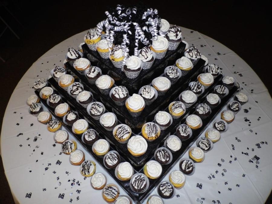 Cupcake Pyramid Cakecentral Com