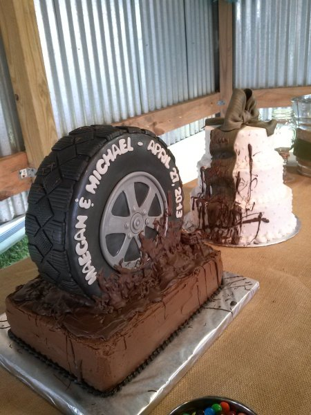 Muddy Tire Country Wedding Cakes   CakeCentral com This is a set of cakes I did for wedding yesterday     Very country outdoor  wedding     Thankfully the rain held off so it wasn t truly a muddy wedding