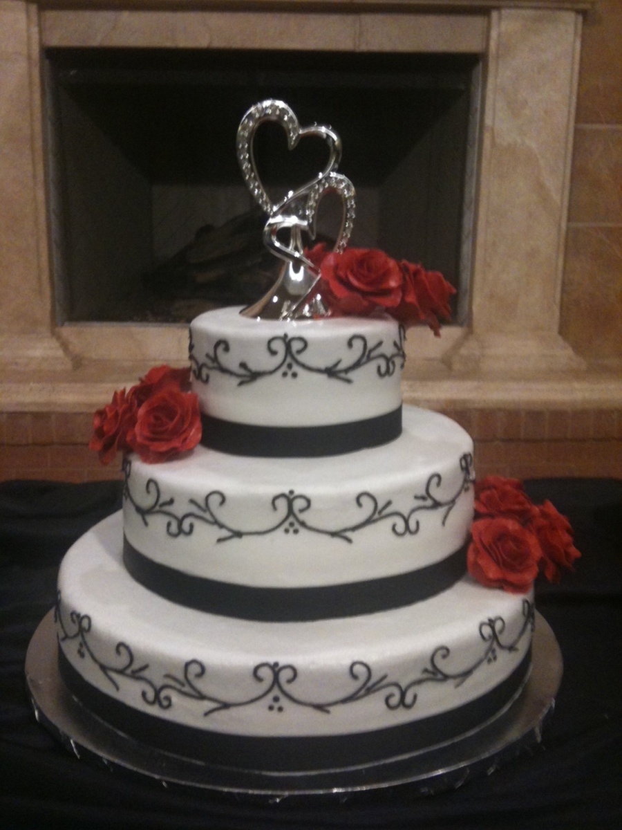 Red Black White Wedding Cake Cakecentral Com
