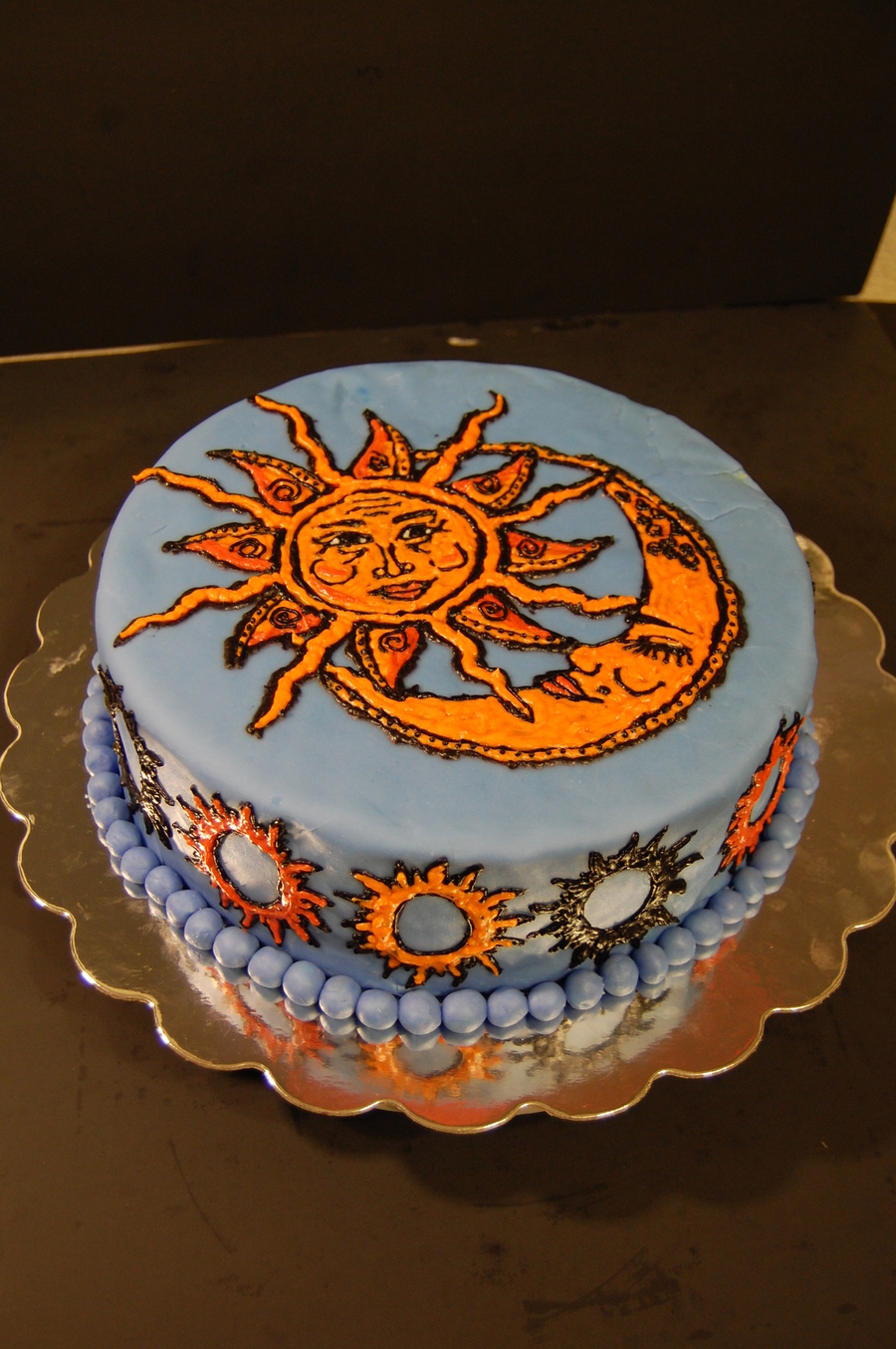 Sun And Moon Cake Cakecentral Com