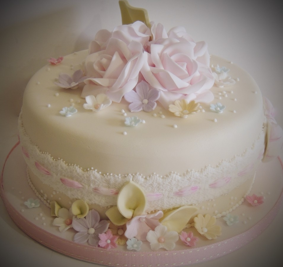 Vintage Style Flowers And Lace Birthday Cake Cakecentral Com