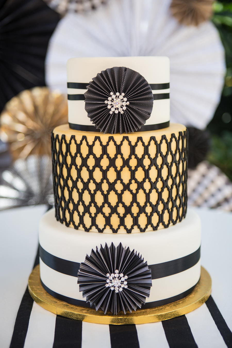 Black White And Gold Wedding Cake Incorporating The Paper Wheels And     Black White And Gold Wedding Cake Incorporating The Paper Wheels And Some  Bling With A Quatrefoil