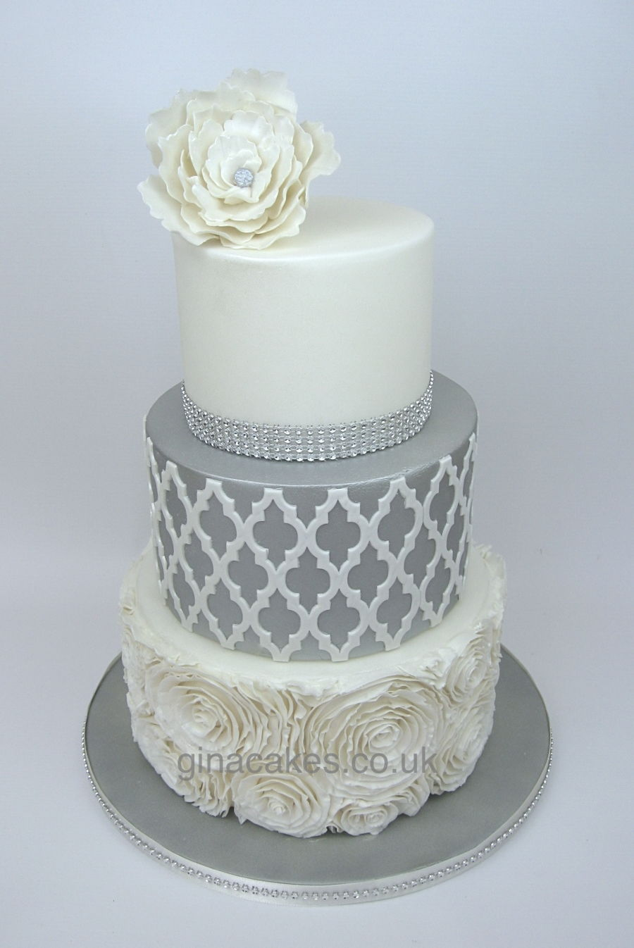 Silver Amp White Wedding Cake With Contrasting Onlay And