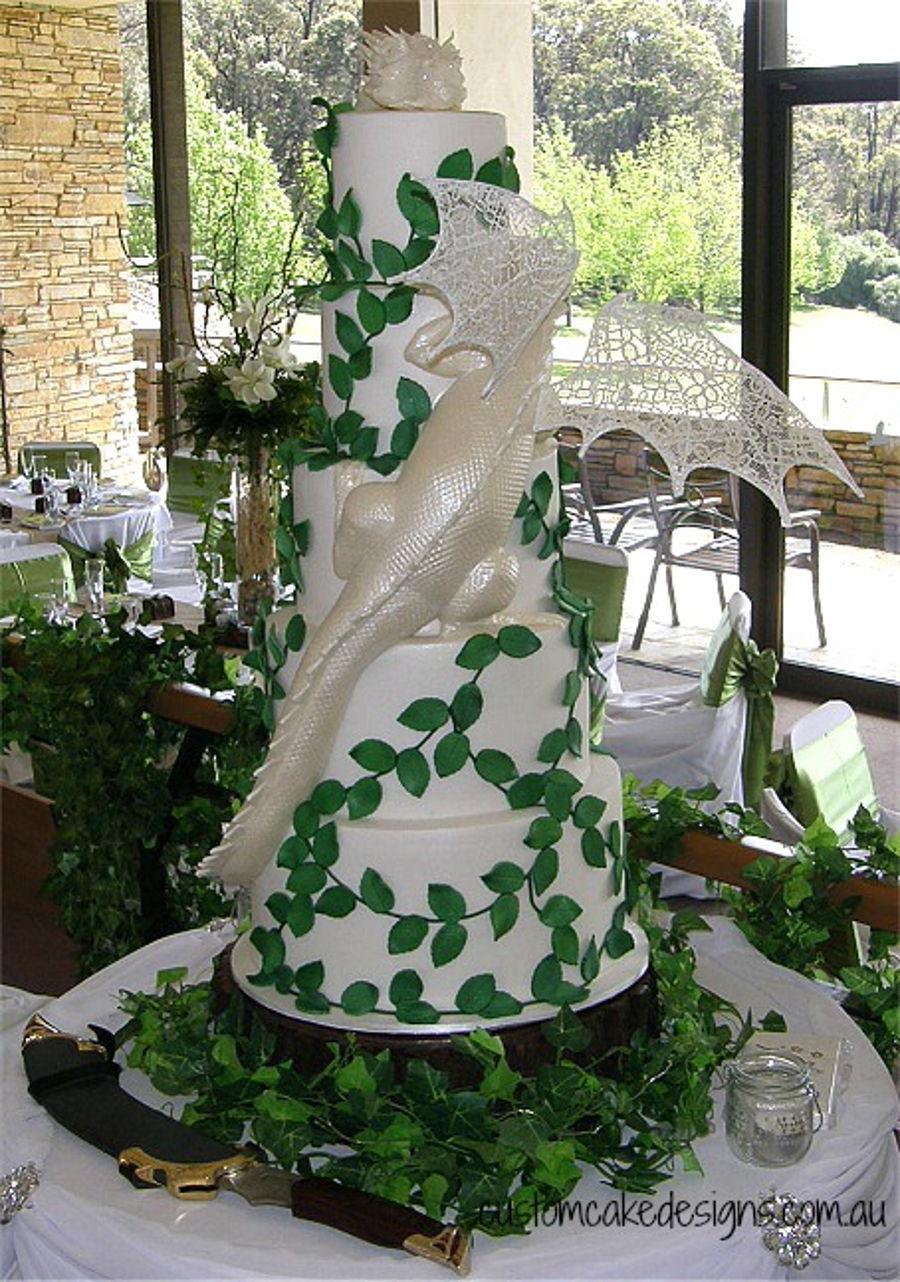 Smaug Dragon Wedding Cake