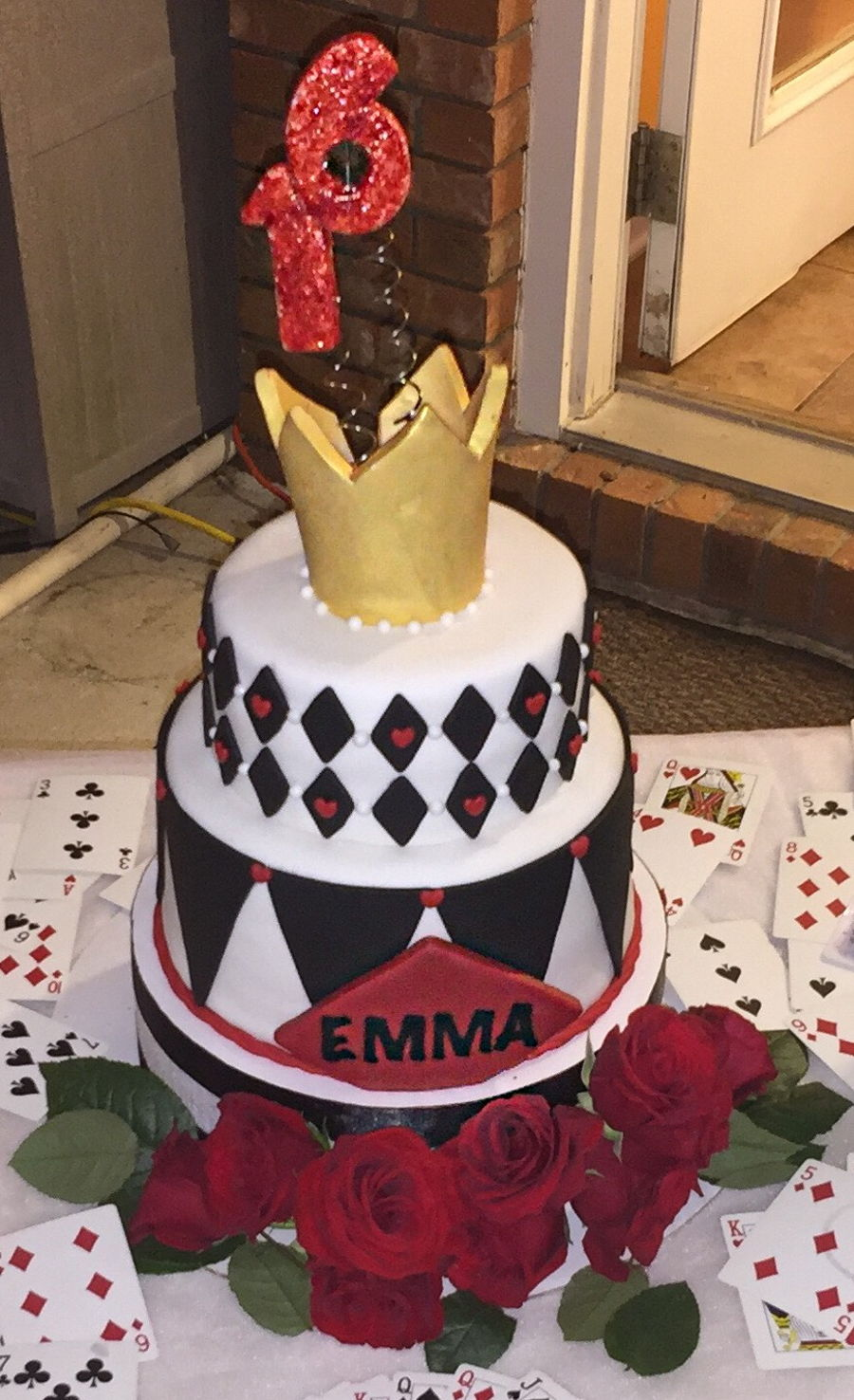 Alice In Wonderland Queen Of Hearts Cake Cakecentral Com