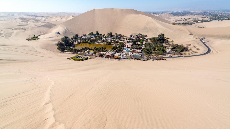 Hacia finales del siglo XIX, el oasis estaba prácticamente deshabitado, hasta que la italianaAngela Perottiredescubrió que el agua y la arena tienenpropiedades medicinales