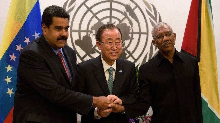 Ban Ki-moon medió en la ONU para que los presidente de Venezuela y Guyana, Nicolás Maduro yDavid Granger, acercaran posiciones