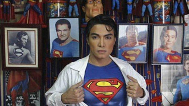 El filipino tiene innumerable cantidad de objetos con la imagen de su héroe