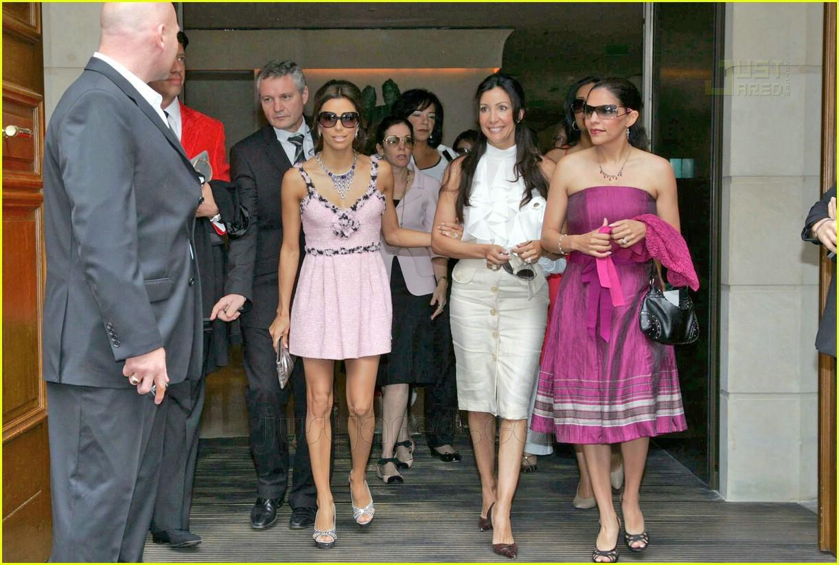Fashion Faceoff: Chanel Dress: Photo 475721