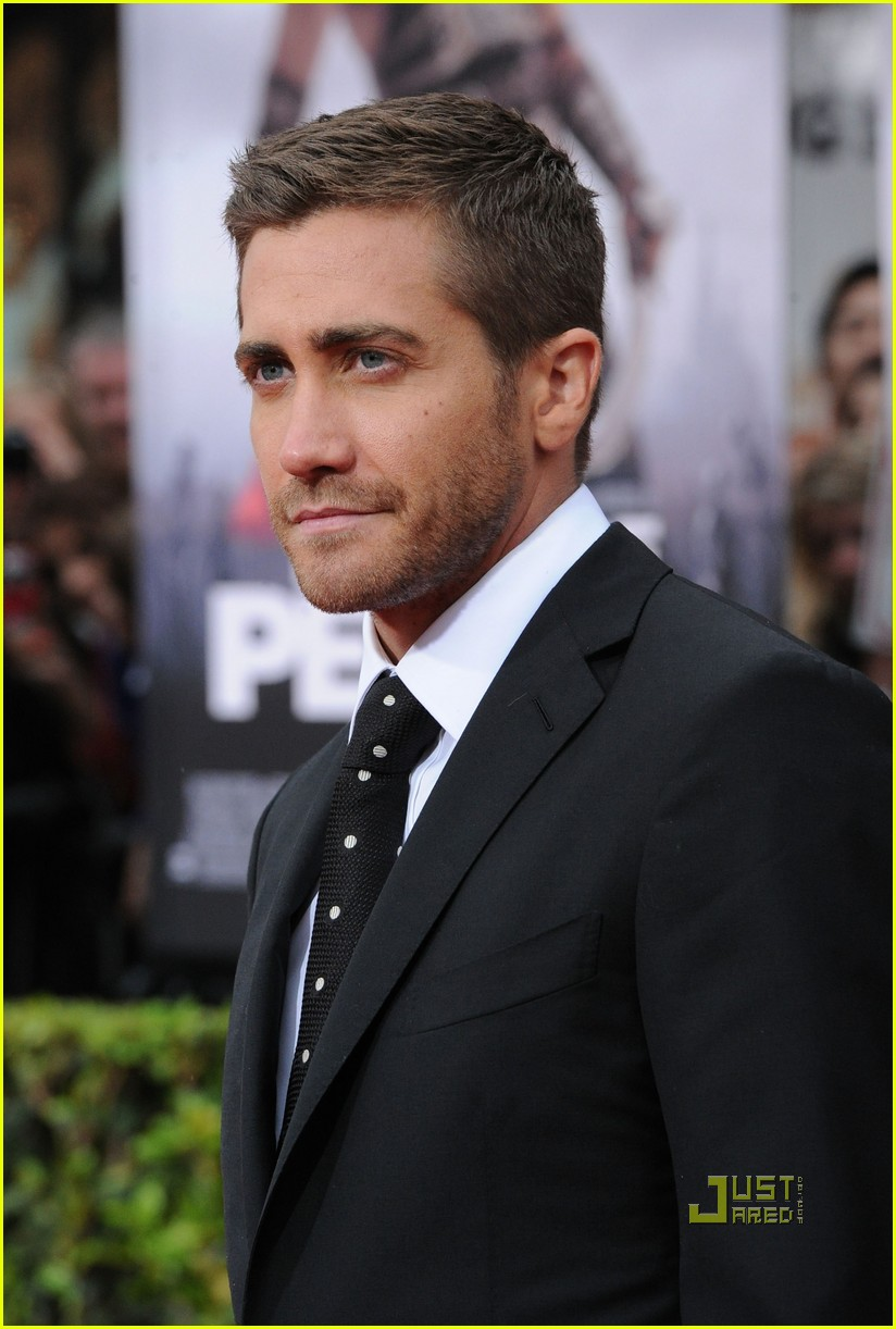 Jake Gyllenhaal TOM FORD Suit Sexy Photo 2451521 Ben
