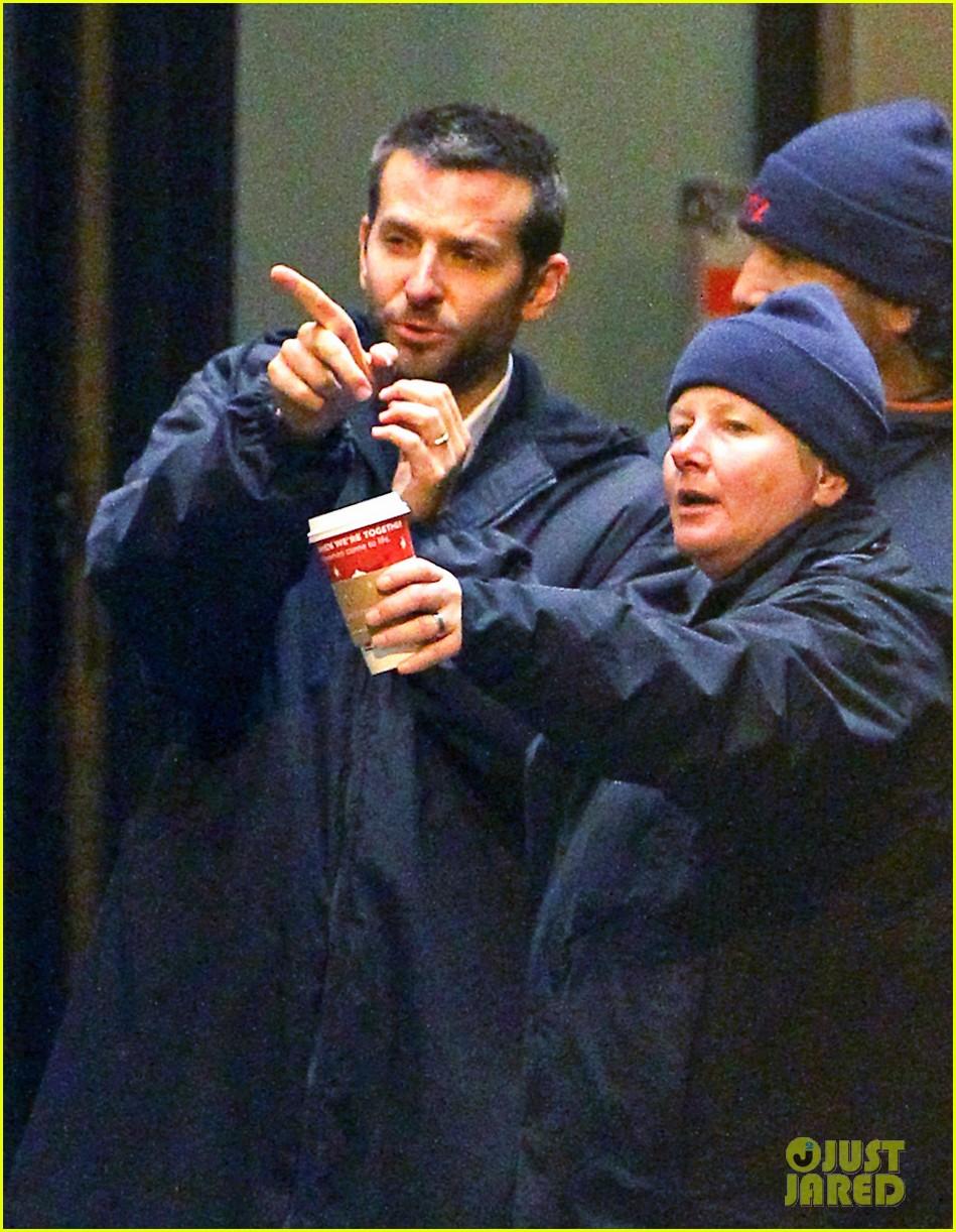 Bradley Cooper Amp Jennifer Lawrence Silver Set In Philly Photo 2601959 Bradley Cooper