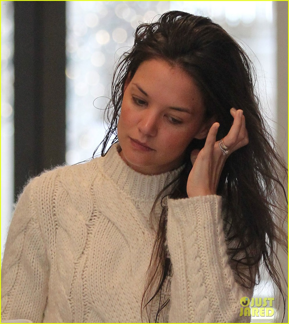 Katie Holmes Wet Hair On Wednesday Morning Photo 2640932