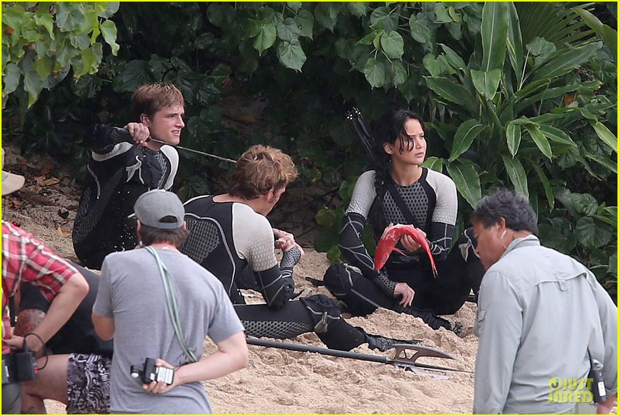 Jennifer Lawrence Fish Eating On Hunger Games Set Photo