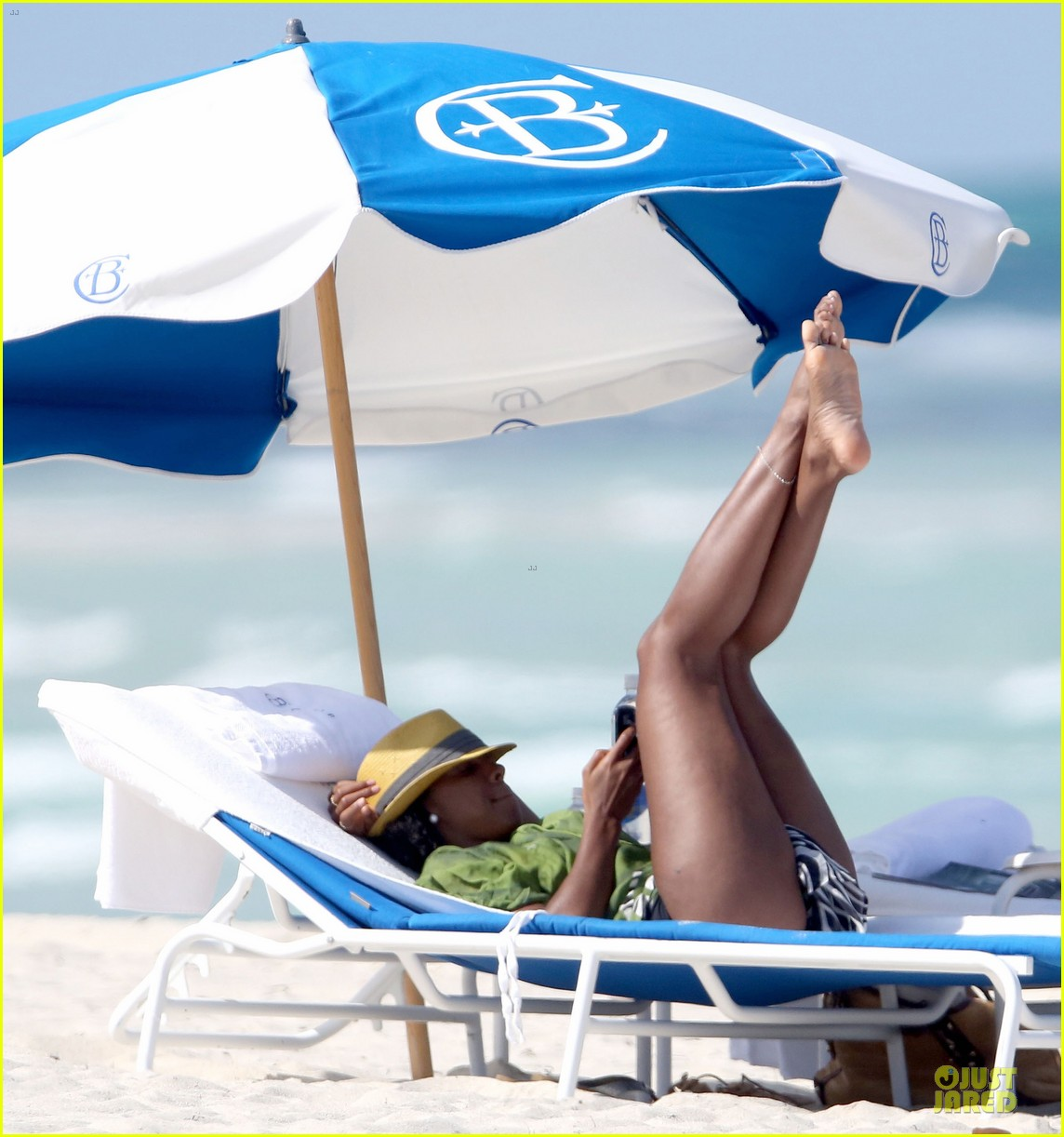 Kelly Rowland: Bikini Beach Calling Babe! | Bikini, Kelly Rowland : Just Jared