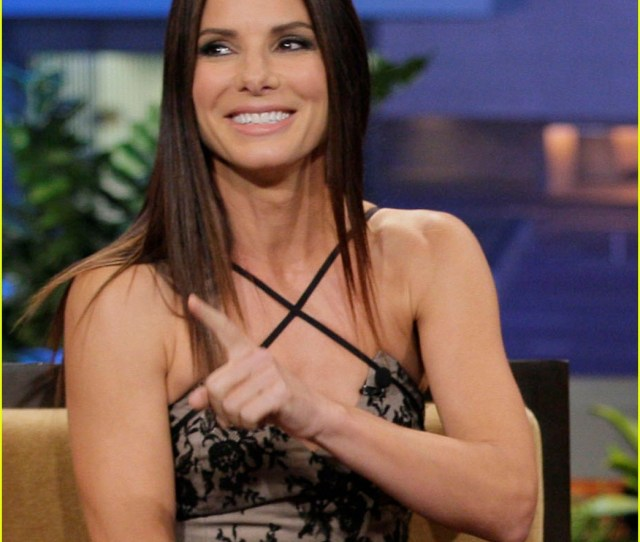 Sandra Bullock Talks Naked Scene With Chelsea Handler