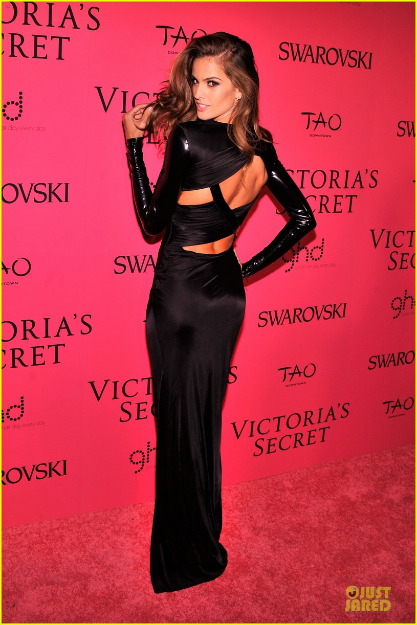 alessandra ambrosio candice swanepoel victorias secret fashion show after party 09