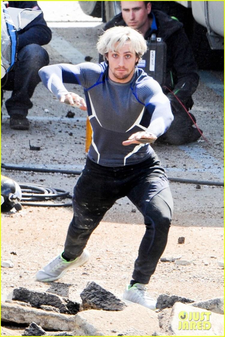 Elizabeth Olsen & Aaron Taylor-Johnson: 'Avengers 2' Set ...