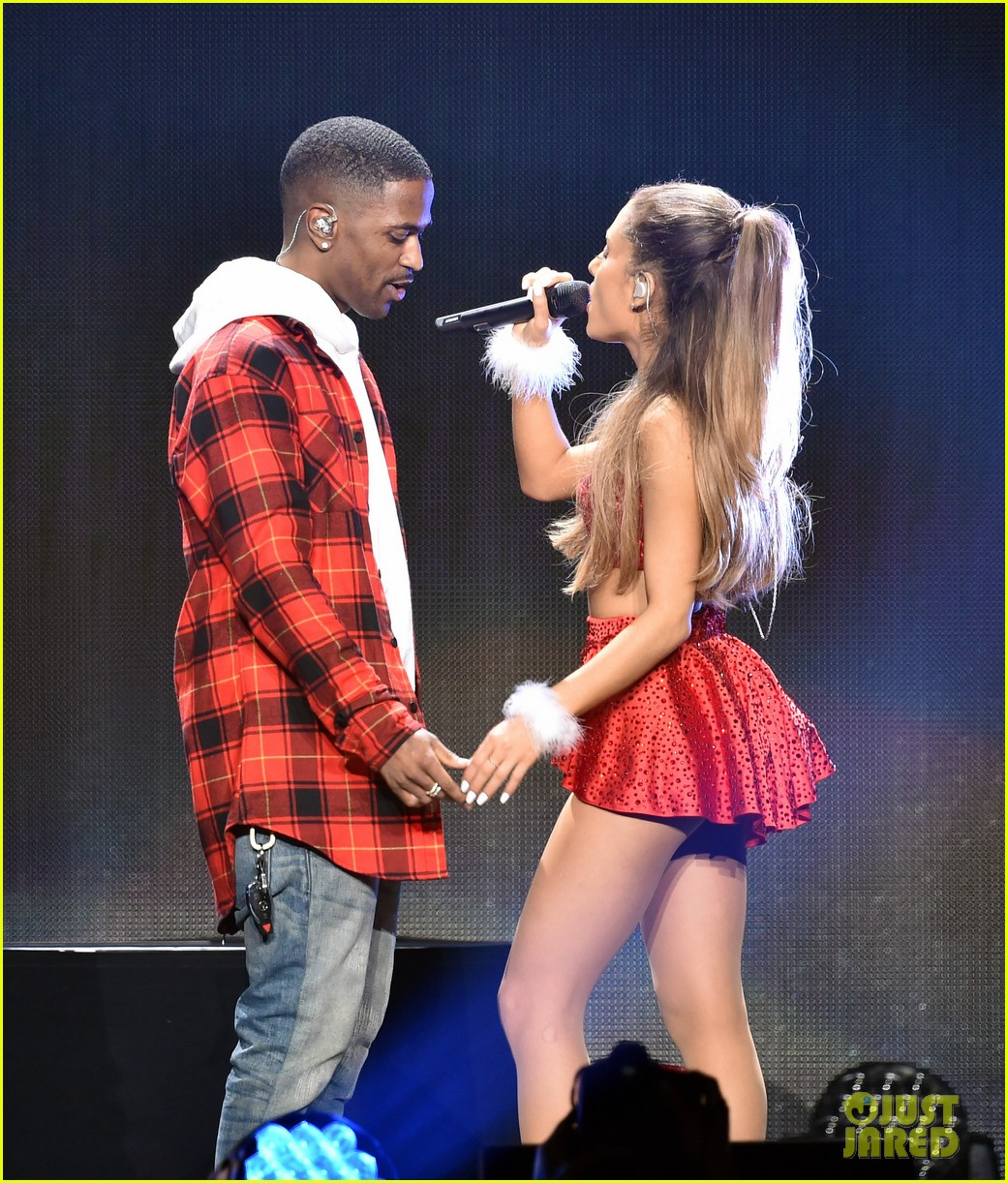 Ariana Grande Amp Big Seans Hot Chemistry Heats Up The