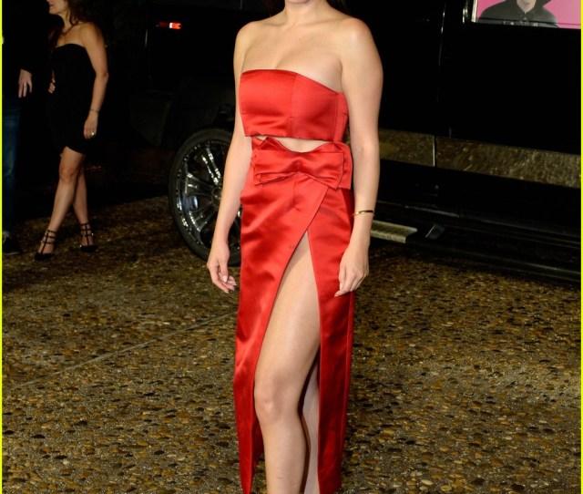 Selena Gomez Serves Legs For Days At Cancun Hotel Transylvania 2 Photo Call