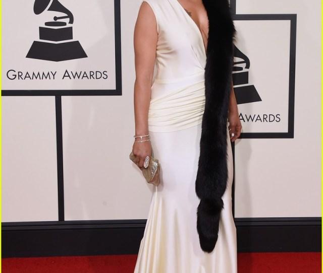 Faith Evans Leon Bridges Are Classic In Black White At Grammys 2016
