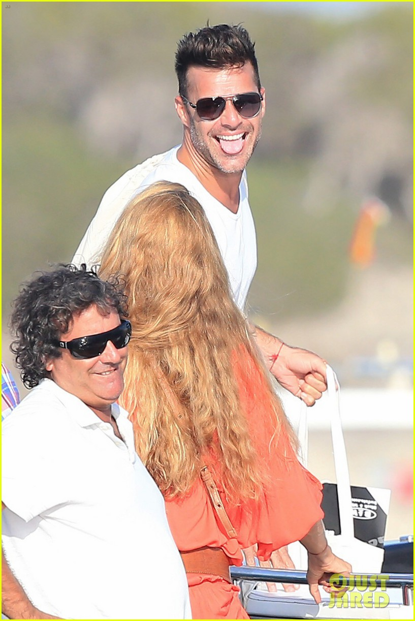 Ricky Martin Amp Boyfriend Jwan Yosef Vacation On A Boat In