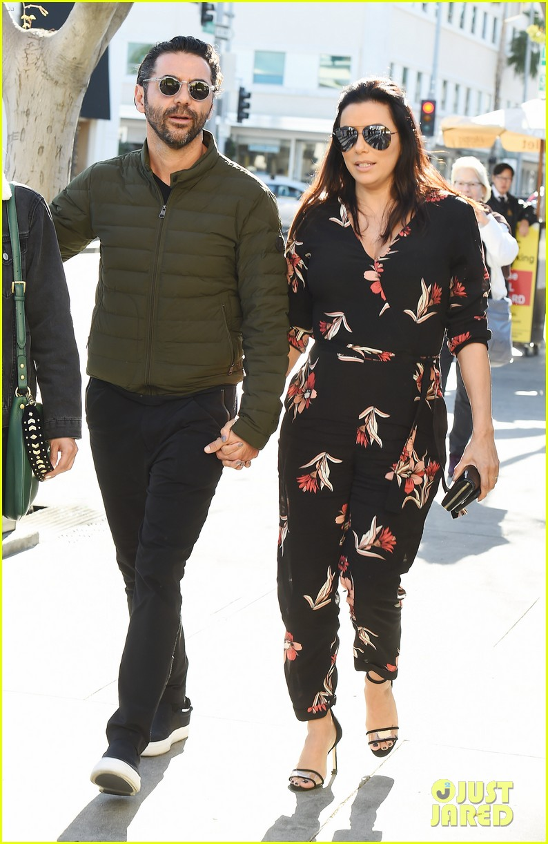 Pregnant Eva Longoria Enjoys Mid Week Lunch With Husband