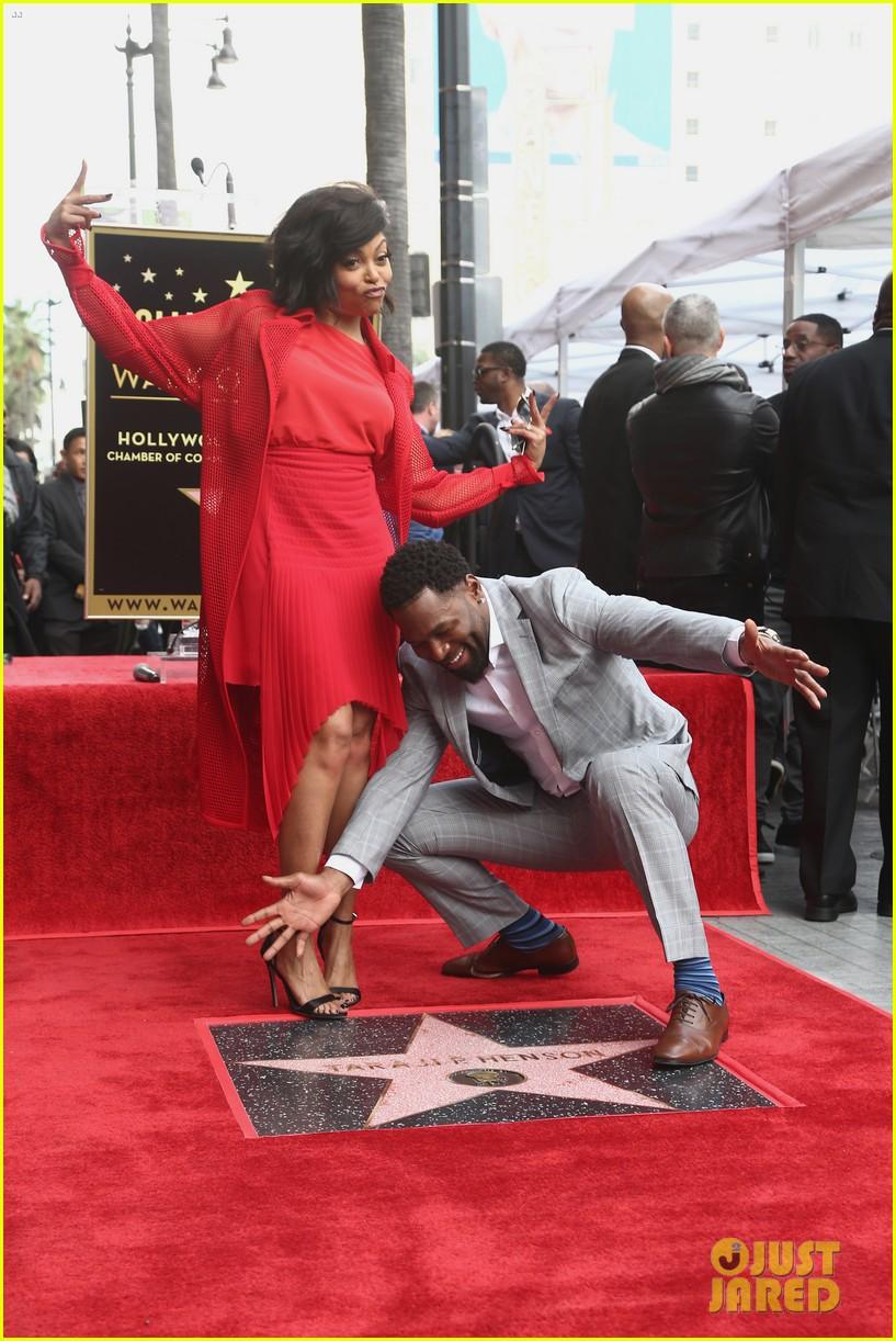 Taraji P Henson Gets Star On Hollywood Walk Of Fame Shares Cute Kisses With Fiance Kelvin