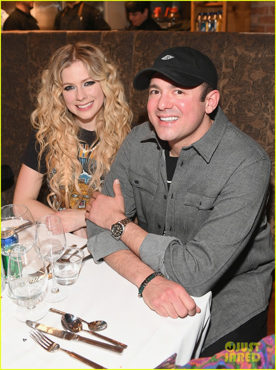 Avril Lavigne Amp Boyfriend Phillip Sarofim Couple Up At